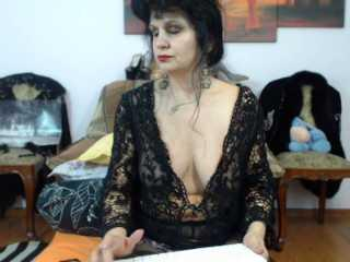 LayinHay - Sexy live show with sex cam on XloveCam