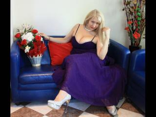 IvonaLady - Sexy live show with sex cam on XloveCam