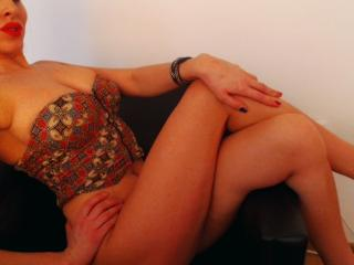 InaMignon - Sexy live show with sex cam on XloveCam