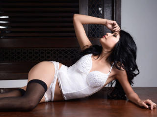 EmilyWatson - Sexy live show with sex cam on XloveCam®