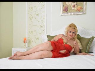 MRobam - online show exciting with a massive breast MILF