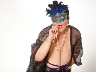 MatureMaidenX - Chat live hot with this Mature with large chested
