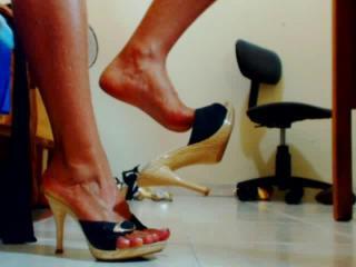 QueenPantyhose steamy girl butt on webcam