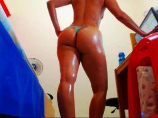 QueenPantyhose - online show x with a fit physique Sexy babes