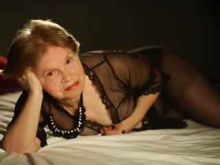 MatureEdith - Live sex with this White Lady over 35