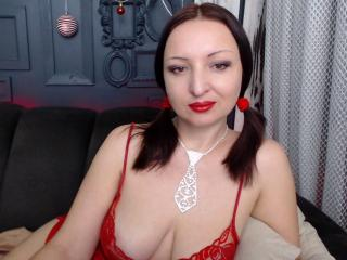 SexyTonik - Show live hard with this trimmed private part Mature