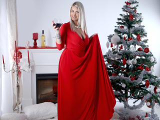 SweetJoy - Webcam live hot with a golden hair Young lady