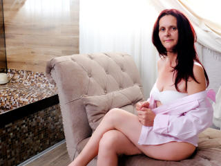BrendaBelleForYou - Webcam sex with this regular body Mature