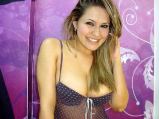 KimoraX - Chat live porn with this sandy hair 18+ teen woman