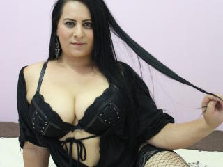 BigBoobsSarra - Sexy live show with sex cam on XloveCam®