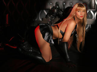 SwitchBlonde - Sexy show en live webcam-sex op XloveCam®