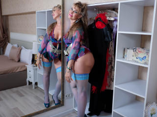 LadyMariahX - Cam sex with a ordinary body shape Lady over 35