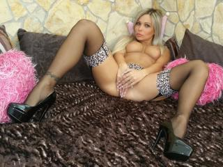 TightBabe - Sexy live show with sex cam on XloveCam