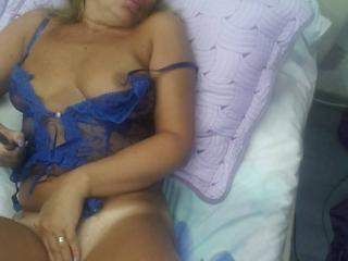 ChaudeEvely - Cam sex with this shaved sexual organ Hot chick