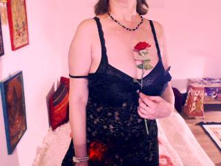 Sexy nude photo of PrettyWoman69