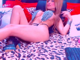 SlinkyAngeel - Chat cam sex with a blond 18+ teen woman