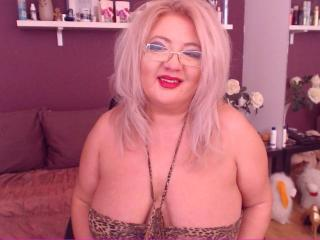 TresSexyFlorence - Chat nude with a White MILF