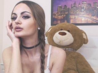MilaNots - Sexy live show with sex cam on XloveCam®