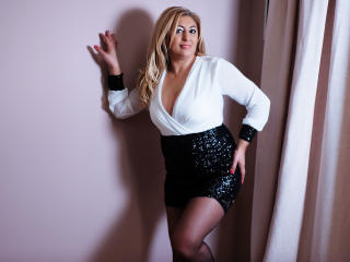 MatureEroticForYou - Chat live exciting with this blond Sexy mother