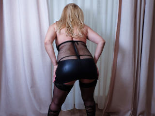 MatureEroticForYou - Chat cam sex with a gold hair Lady over 35