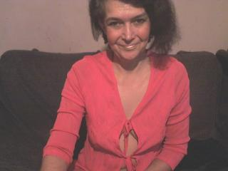 Lili69 - Show exciting with this charcoal hair Mature