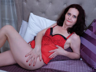BrendaBelleForYou - Chat cam sexy with this being from Europe Lady over 35