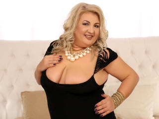 TresSexyFlorence - Show sexy with this platinum hair Sexy mother
