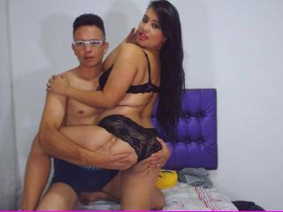 ArdentJuiceCouple - Sexy live show with sex cam on XloveCam®