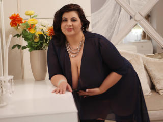 OneHotPenellope - Show sexy et webcam hard sex en direct sur XloveCam®