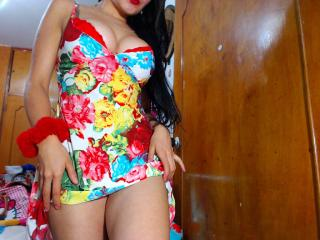 Yessy - Sexy live show with sex cam on XloveCam®