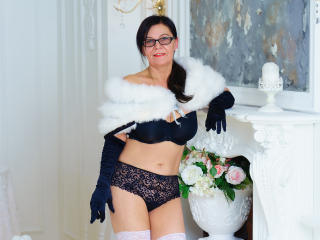 HotMatureDesire - Webcam live hard with a average body Mature