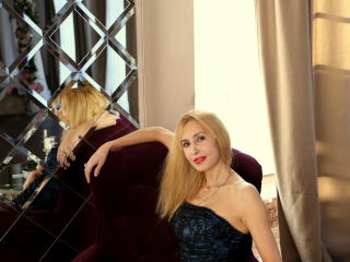 BlondPussy - Show live porn with this European Lady