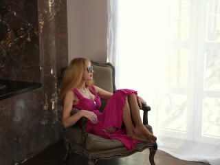 BlondPussy - Chat live exciting with this unshaven private part Attractive woman