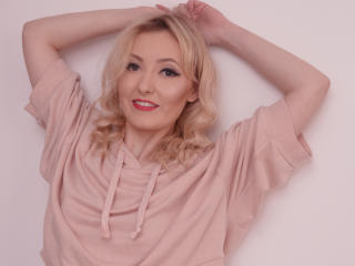StarHannah - Show live porn with a shaved genital area Young lady