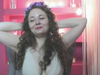 OhMyMoxie - Chat cam sexy with a athletic body Young and sexy lady
