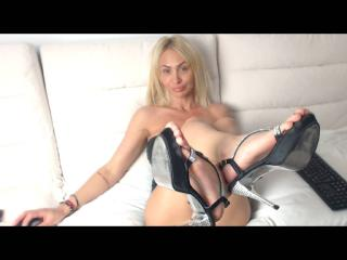 SexyCynthyaX - Video chat porn with this European Horny lady