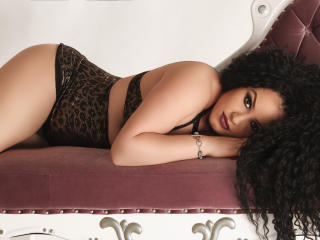 LadyEmperatriz - Sexy live show with sex cam on XloveCam®