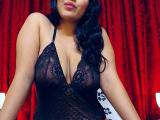 HottyLupita - Sexy live show with sex cam on XloveCam®
