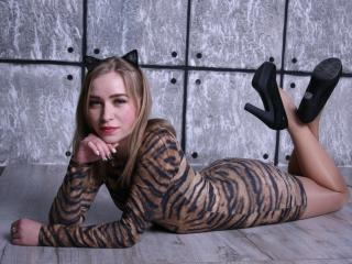 DarinaDee - Sexy live show with sex cam on XloveCam®