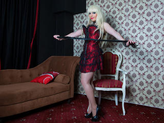 FreyaGold - Live cam hard with this platinum hair Young lady