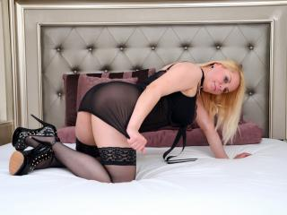 Elline girl hot chat on webcam