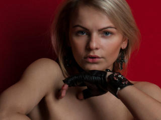 EvaGreyBlond - Sexy live show with sex cam on XloveCam®