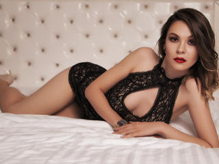RaisaJoy - online show exciting with a chocolate like hair Hot chicks