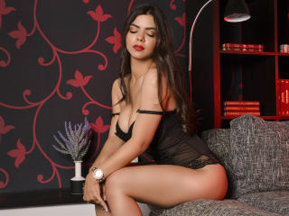 MissAngelinnaX - Show nude with a brunet College hotties