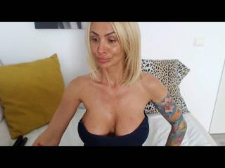 SexyCynthyaX - Web cam exciting with this Hot lady with immense hooters