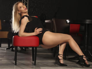 AlyaRose - Sexy live show with sex cam on XloveCam®