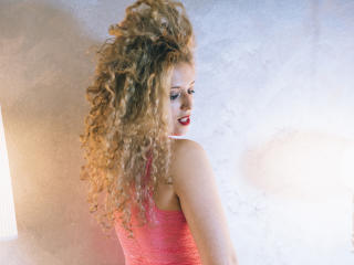 CurlySmile - Webcam xXx with a being from Europe Hot chicks