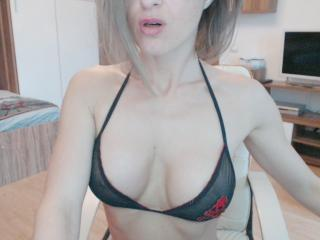 TaChateSexy - Sexy live show with sex cam on XloveCam®