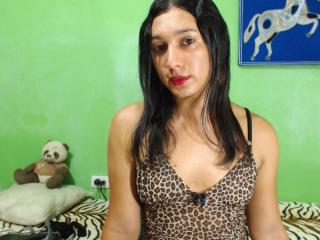 PamelyHotTs - Show nude with a amber hair Ladyboy