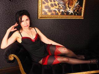 SabrinaWillis - Show live hot with a black hair Gorgeous lady